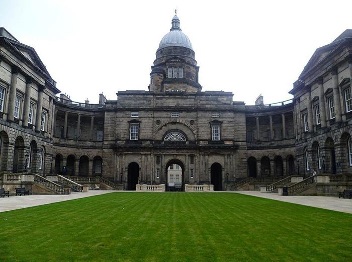 爱丁堡大学校景1